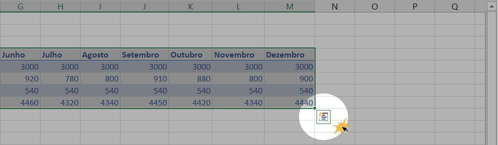 Exemplo de como inserir mais linhas e colunas a uma tabela no Excel.