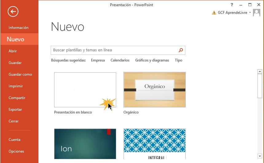 Puedes elegir un tema o simplemente crear una presentación en blanco.