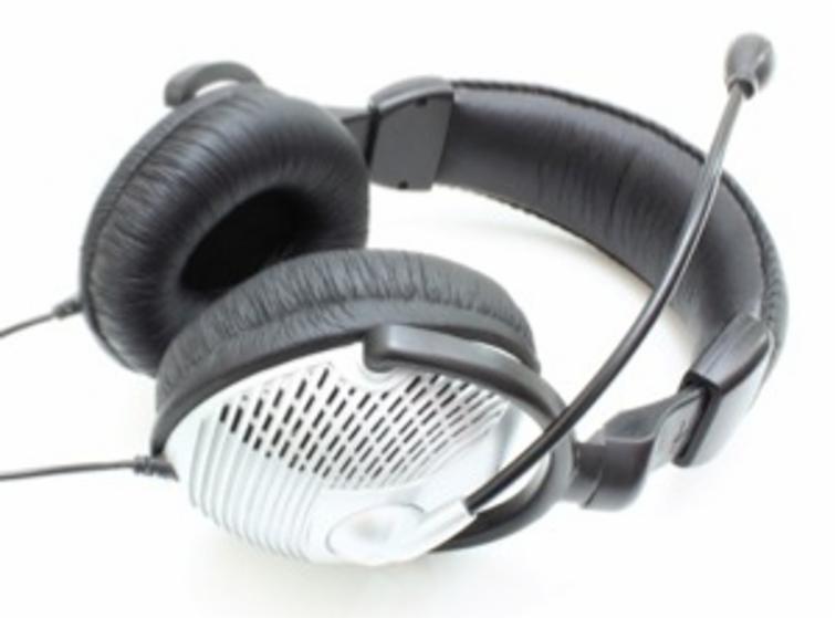 Audífonos con micrófono.